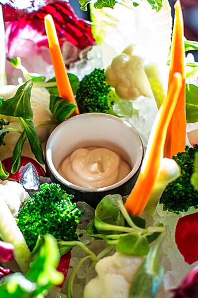 Крудо из овощей с соусами