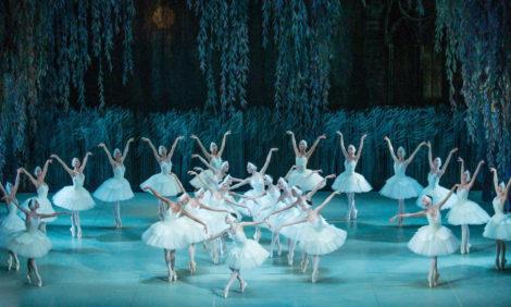 #PostaDance: онлайн-трансляция балета «Лебединое озеро» Пермского театра оперы и балета 15 апреля в 17:00