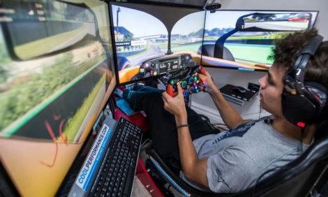 Авто с Яном Коомансом: гонки во время коронавируса (вам понадобится компьютер)