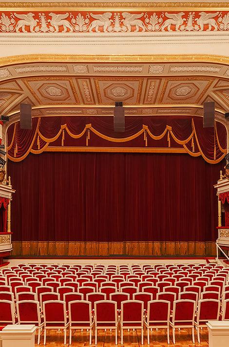 Спектакли онлайн: рассказываем, что посмотреть в Малом театре