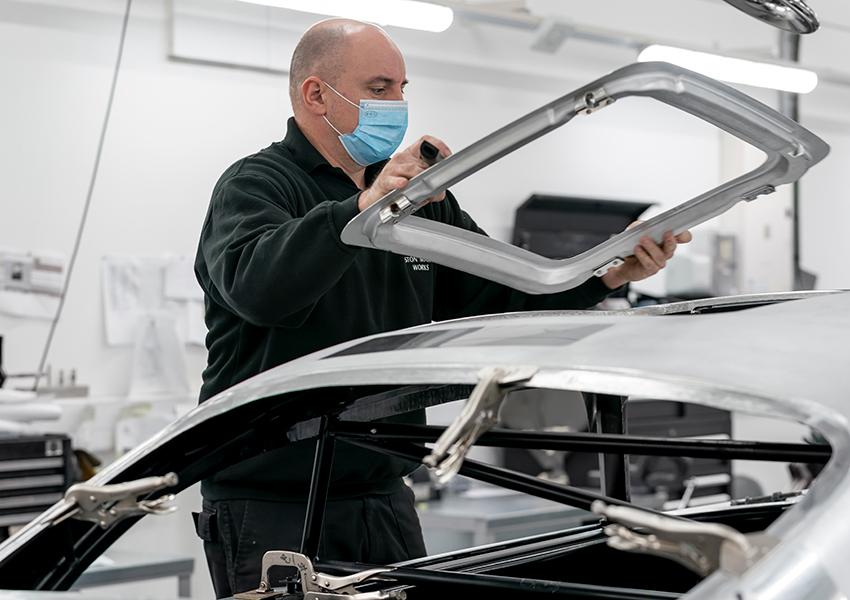 Aston Martin возобновляет производство самого знаменитого автомобиля в мире Aston Martin DB5
