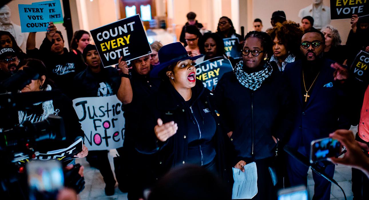 And She Could Be Next — документальный сериал о баллотирующихся на пост президента США женщинах — представительницах меньшинств.