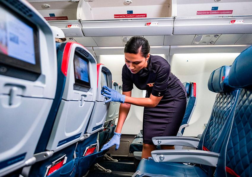 Авиакомпании вводят новые правила на борту