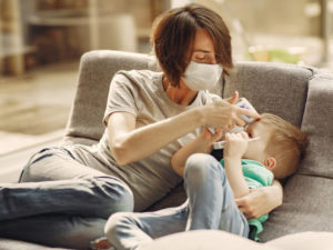 Японские педиатры: медицинские маски опасны для детей