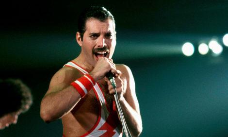 Queen покажет полную версию концерта памяти Фредди Меркьюри 1992 года с участием Дэвида Боуи и других звезд