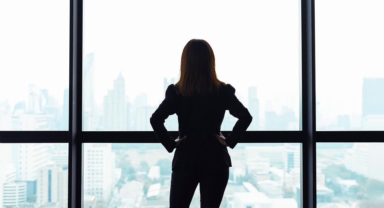 Женщины обогнали мужчин по росту благосостояния