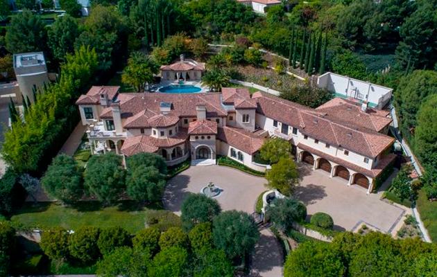 6 спален и 10 ванных: новый дом Софии Вергары и Джо Манганьелло в Беверли-Хиллз