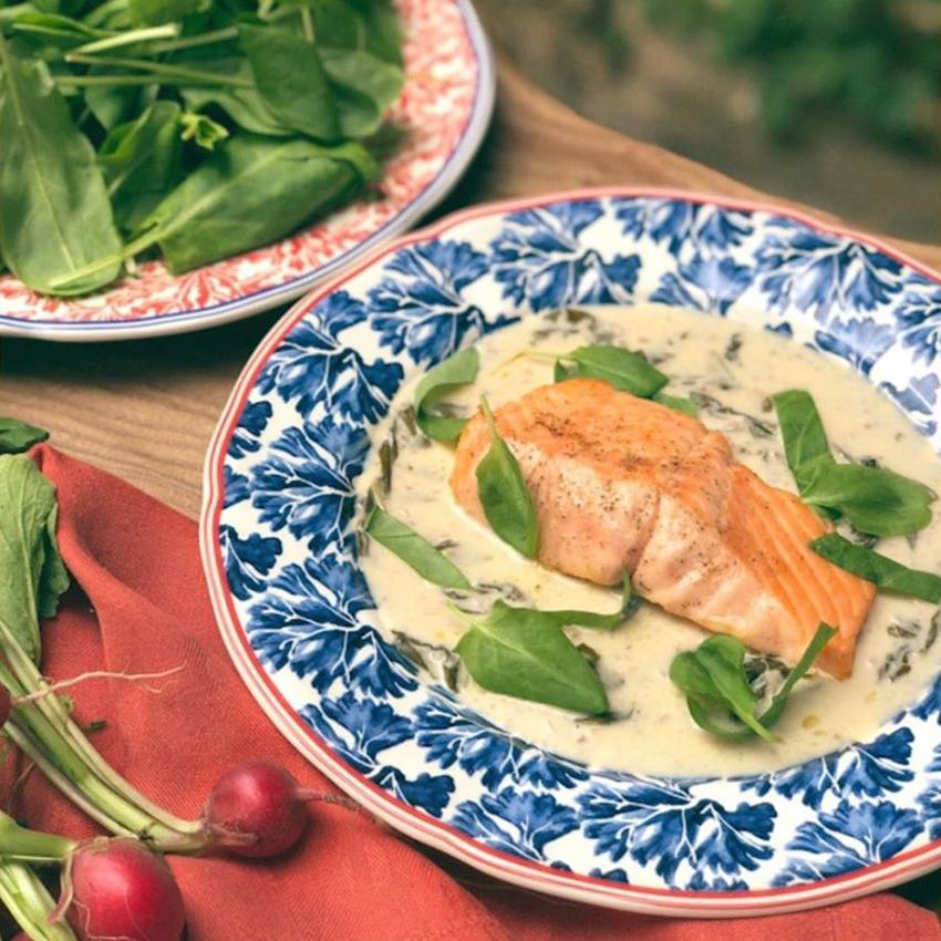 Филе красной рыбы со щавелем