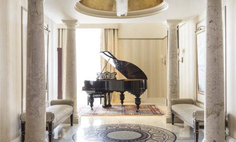 #ЧтоСмотретьОнлайн: фортепианный концерт в Belmond Grand Hotel Europe