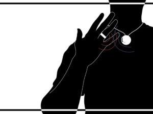Инженеры NASA придумали кулон, отучающий трогать лицо: его можно самостоятельно распечатать на 3D-принтере