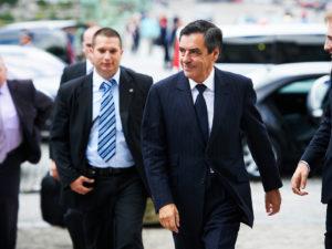 Бывший премьер-министр Франции Франсуа Фийон и его жена отправятся в тюрьму за хищение государственных средств