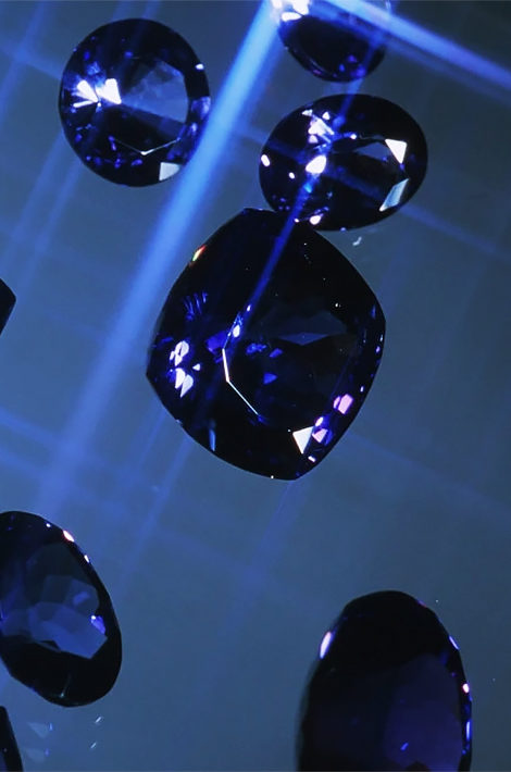Шахтер из Танзании нашел редкие драгоценные камни и стал миллионером