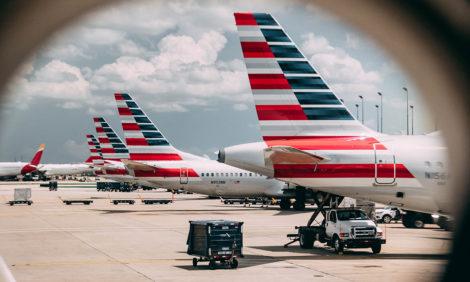 Пассажира без маски сняли с рейса American Airlines в Нью-Йорке