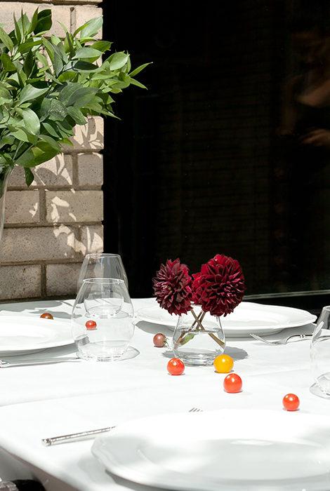Едим не дома: какие рестораны открывают летние террасы?