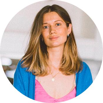 Елена Гордиенко — сертифицированным нутрициологом и специалистом по детскому питанию, основателем Школы детского питания и здоровья MY FOODIE