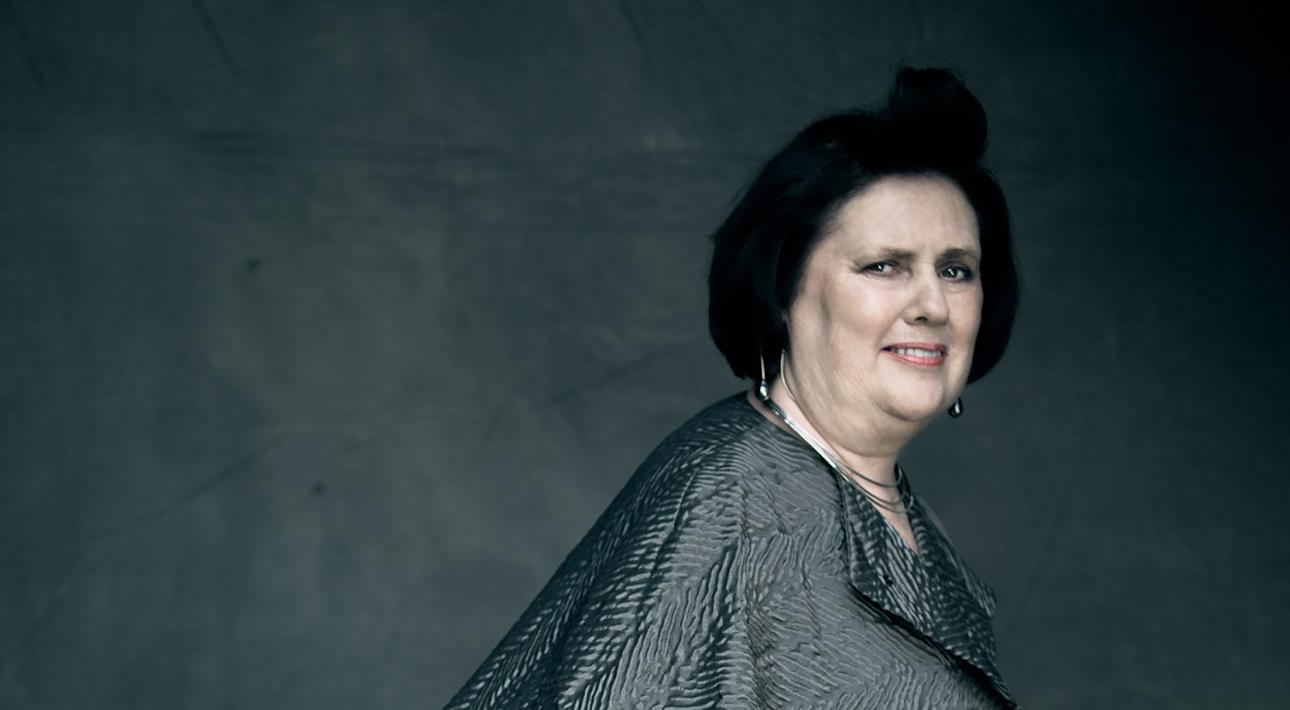 Women in Power. Сьюзи Менкес покидает Vogue International: что мы знаем о грозном критике мира моды