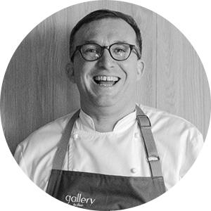 Челе Гонсалес (https://gallerybychele.com/) — шеф-повар ресторана Gallery by Chele.