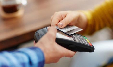 Безналичные чаевые можно оставить благодаря новому сервису платформы Etiquette и Mastercard