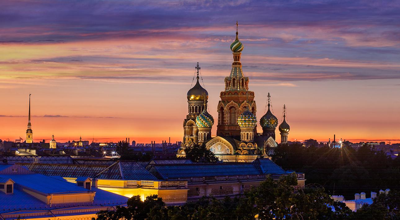 Питер Weekly: икорный мастер-класс и фортепианеый концерт в «Гранд Отеля Европа»