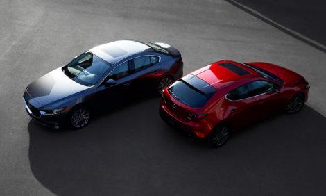 Авто с Яном Коомансом: обзор Mazda3— мал, да удал
