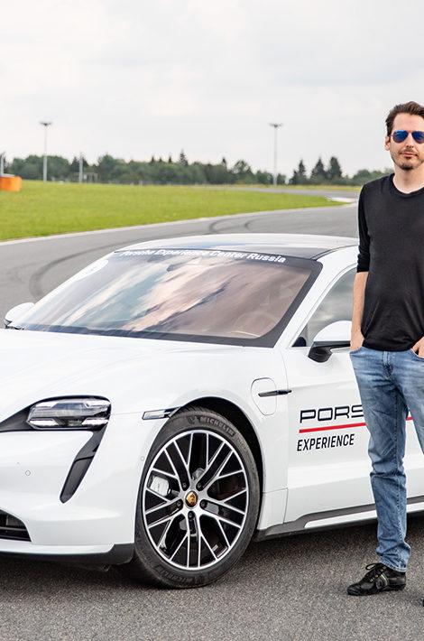 Авто с Яном Коомансом: Porsche Taycan Turbo — первая поездка