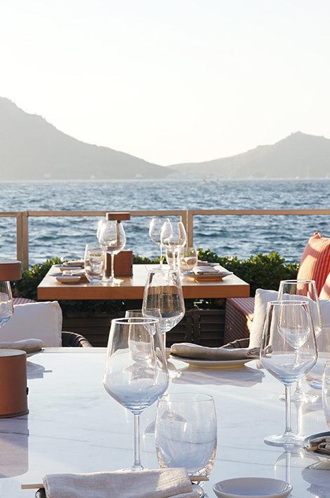 В Yalıkavak Marina открылось сразу два ресторана Novikov Group