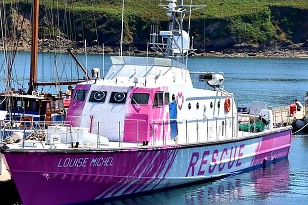 Бэнкси оплатил корабль для мигрантов, бежавших из Северной Африки в Европы