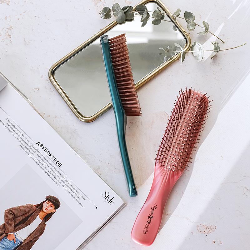 #BeautyЭксперты: Юлия Нагайцева, врач-дерматовенеролог, трихолог — о правильном уходе за волосами и расческе-помощнице