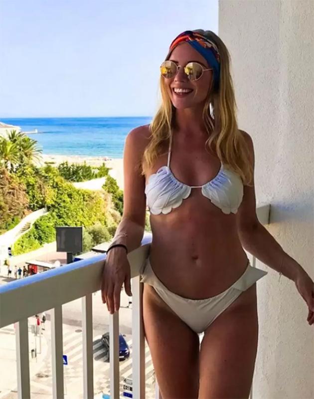 «Перевернутый бикини» — в соцсетях появились фотографии нового летнего тренда