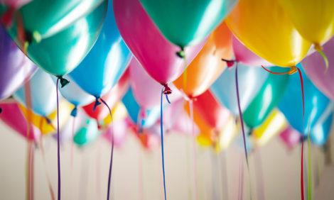 Верховный суд РФ признал законным ранний уход с работы в свой день рождения — если это традиция в компании
