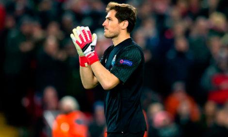 «Не бойся соревноваться с теми, кто сильнее»: испанский вратарь Икер Касильяс завершил карьеру