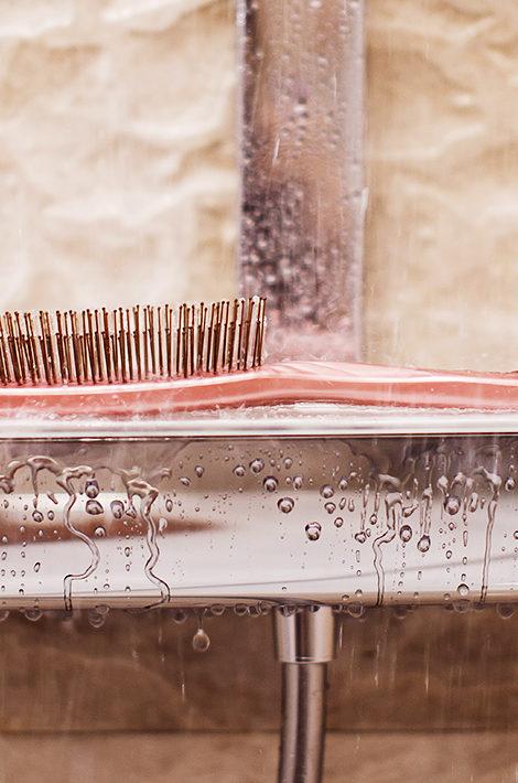 #BeautyЭксперты: врач-дерматовенеролог и трихолог Юлия Нагайцева — о правильном уходе за волосами и расческе-помощнице