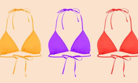 «Перевернутый бикини»: в соцсетях появились фотографии нового летнего тренда