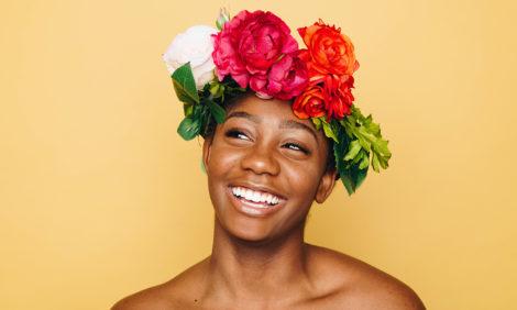 Улыбка действительно способна улучшить психическое здоровье человека, подтверждают исследования