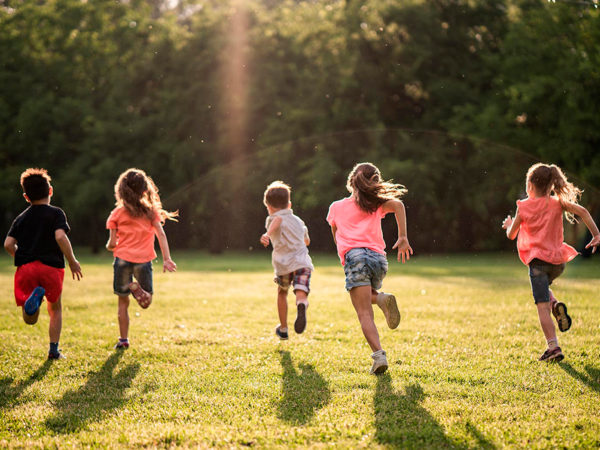 Добрые новости: акция Clarins «Милосердие на бегу» и кампания в поддержку фонда «Дети-Бабочки»