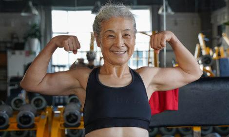 Мотиватор дня: спортивная бабушка изКитая подает пример нетолько пенсионерам