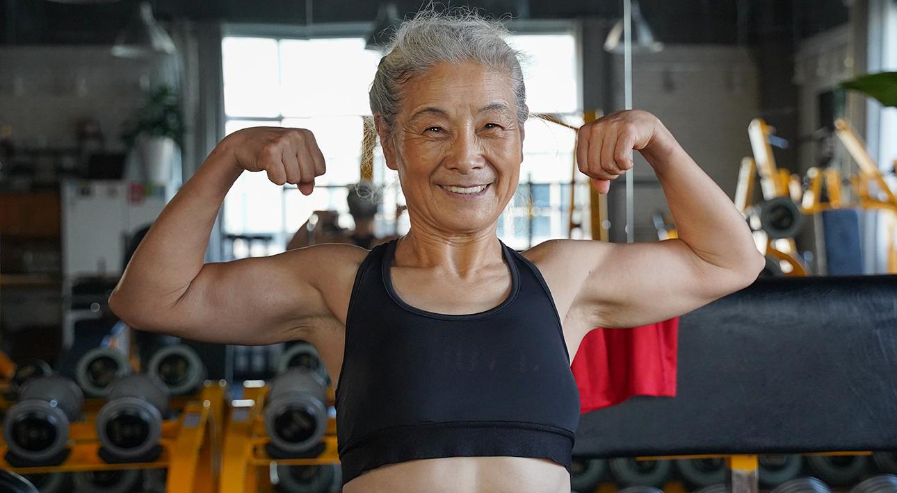 Мотиватор дня: спортивная бабушка из Китая подает пример не только пенсионерам