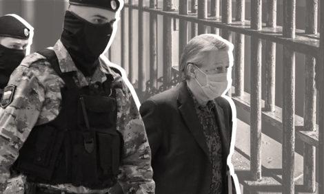 Михаила Ефремова приговорили к8годам колонии ивыплате 800000 рублей компенсации потерпевшим