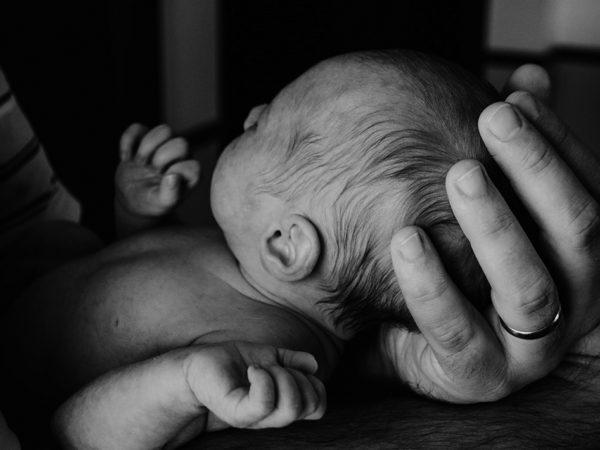 Французские папы смогут брать более долгий отпуск по уходу за новорожденным