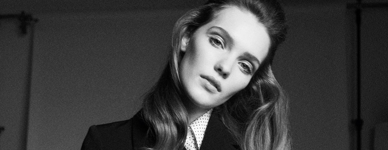 Что носить этой осенью: Катрин Денев создала коллаборацию с брендом A.P.C.