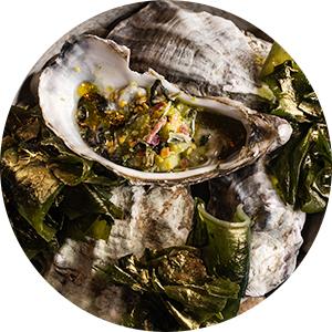 Asiatique Kitchen x Bar: устричные среды и мидийные четверги