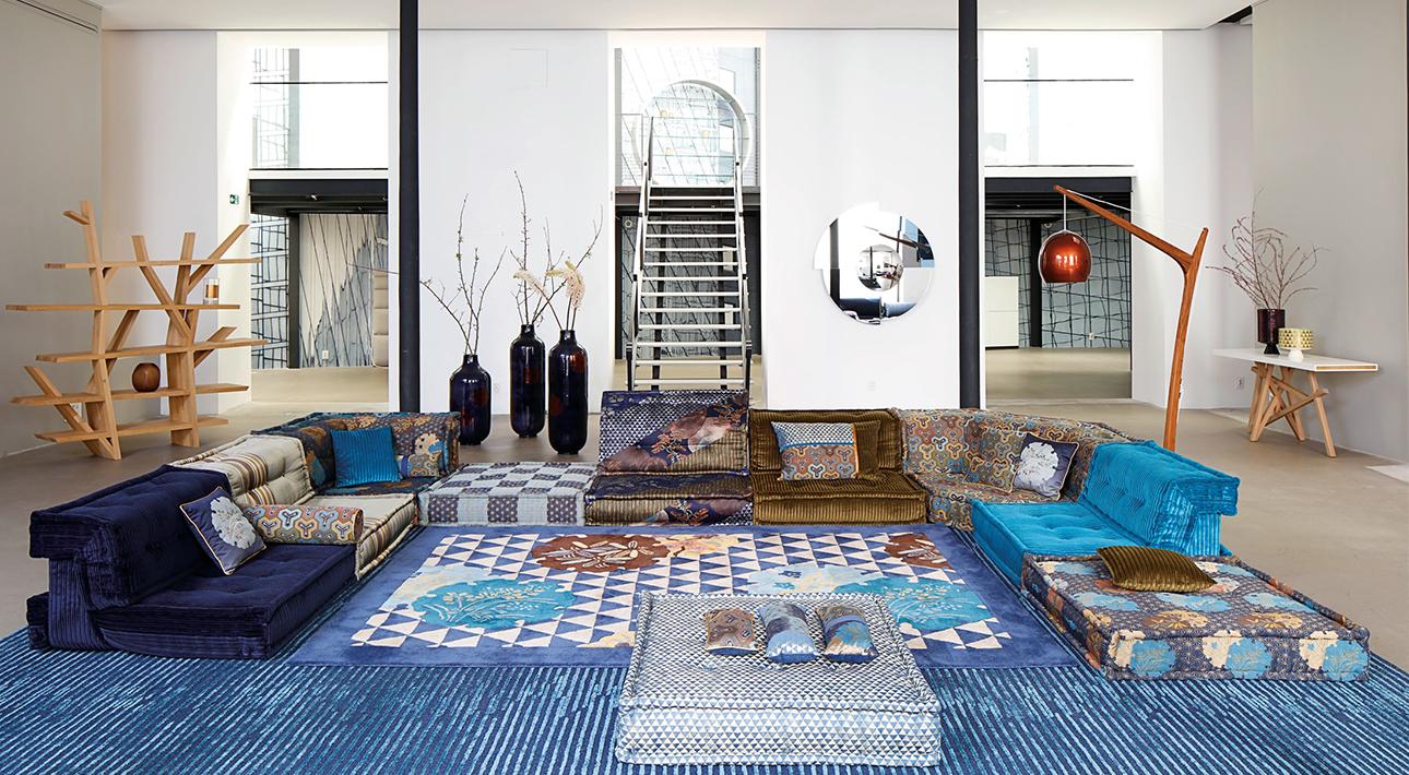 Кензо сделал коллаб с французским мебельным брендом Roche Bobois. а в начале этого года представил собственный бренд предметов для дома K3