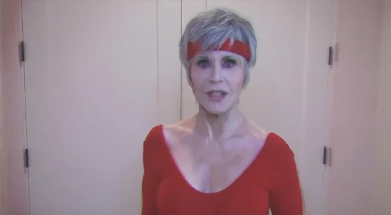 «Упражнения для голосования»: Джейн Фонда призывает голосовать зажигательной тренировкой