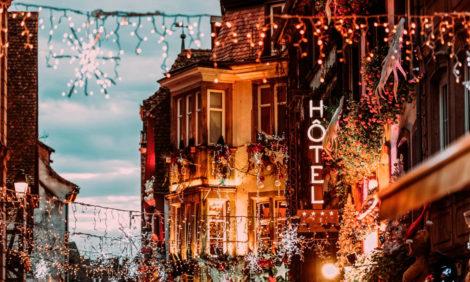 #TravelБизнес: в Страсбурге отменили рождественский базар, IATA заявляет о крайне низких шансах заразиться на борту самолета — и другие тревел-новости