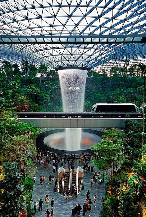 #TravelБизнес: путешествие в аэропорт Сингапура, мягкие меры в Европе вместо локдауна и другие новости тревел-индустрии