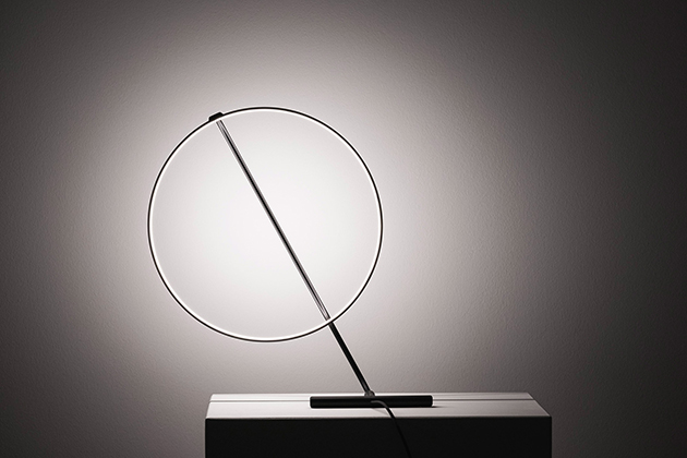 Poise, светильник Роберта Даби