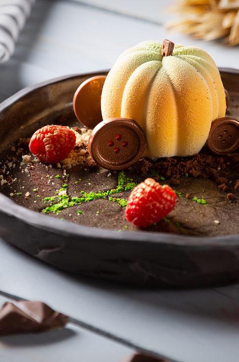 Едим не дома: новый ресторан Алексея Пинского Narval, завтраки в Eva и «каштановое» меню в Butler
