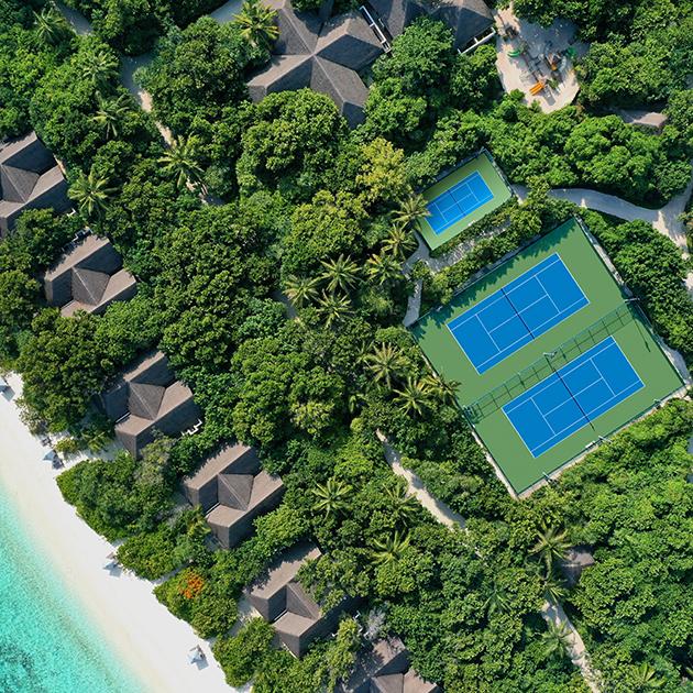 Куда улететь на Новый год: каникулы на Мальдивах со школой тенниса Янко Типсаревича Tipsarevic Luxury Tennis