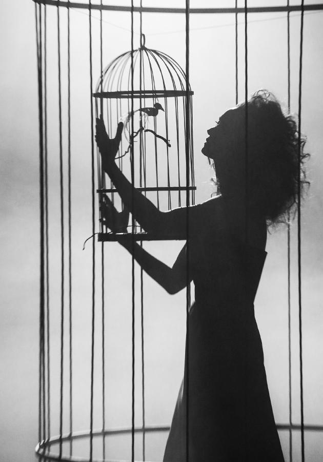 Видео дня: Виктория Исакова в фильме-тизере к весенней коллекции Tegin