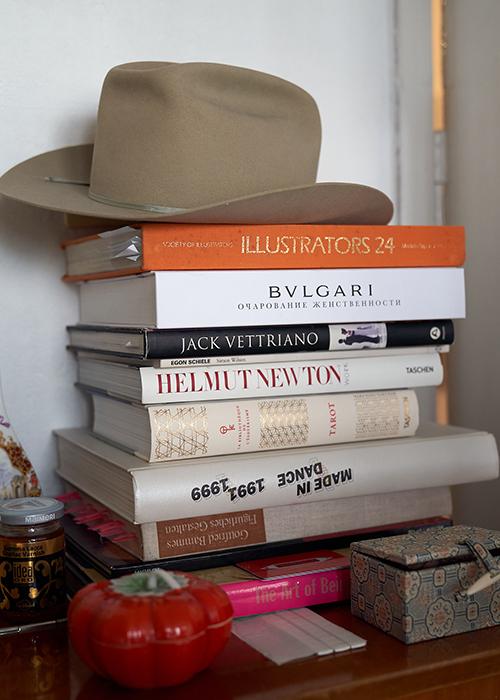 Арт-квартирник Bvlgari в честь капсульной коллекции аксессуаров Ambush x Bvlgari
